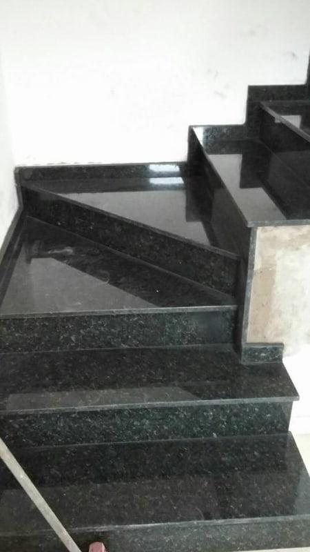 Granito Verde Ubatuba em escada