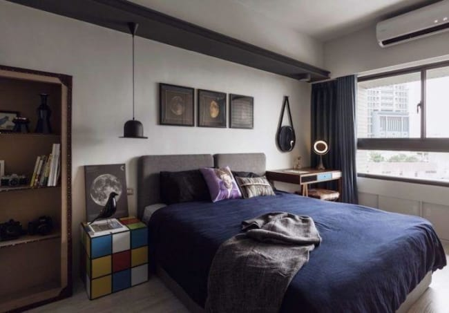 Inspiração de quarto geek com cama de casal
