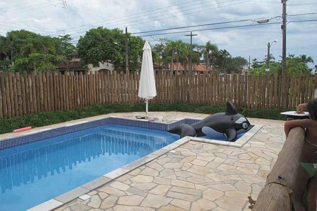 Mais um modelo de piscina com pedra mineira