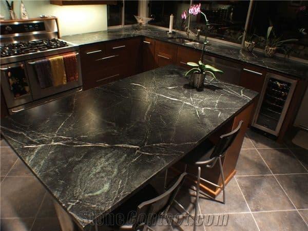 Mesa de cozinha com Mármore Preto