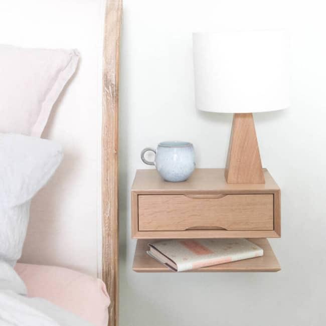 Modelo de criado mudo de madeira pequeno