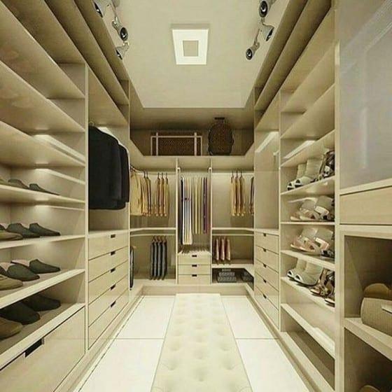O closet para casal pode ter lados iguais