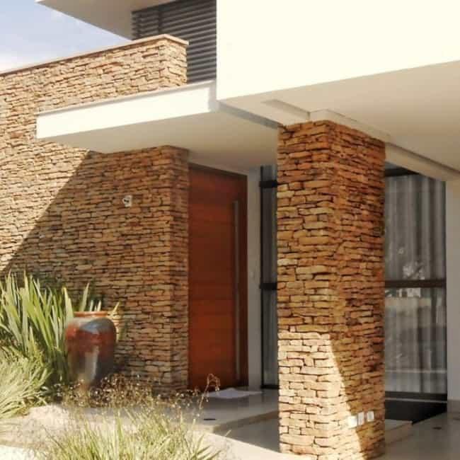 Pedra mineira filetada na fachada