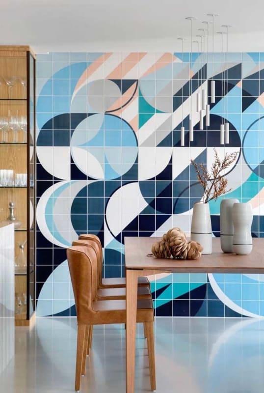 Pintura de azulejo em alto relevo