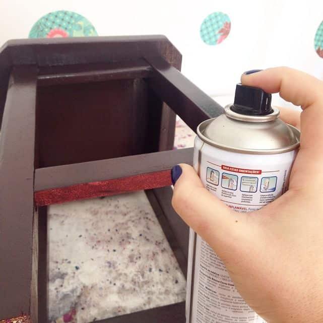 Pintura de madeira com spray