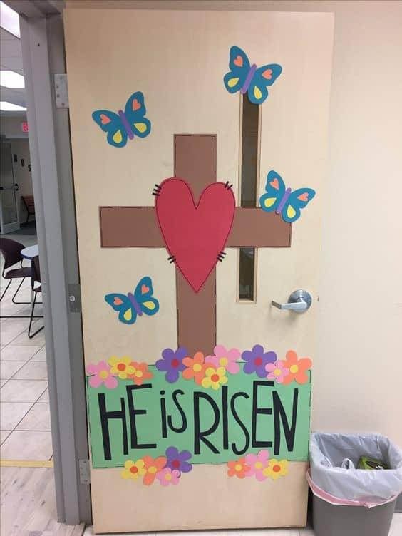 Porta com decoração de Páscoa para escola6