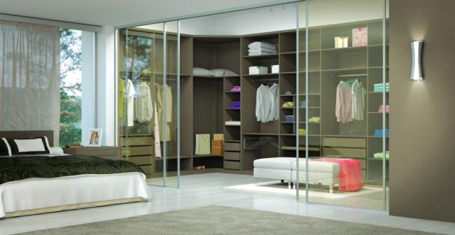 Portas de correr em vidro para closets estão na moda