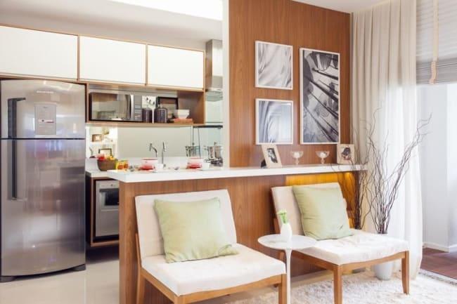 Sala pequena e cozinha americana