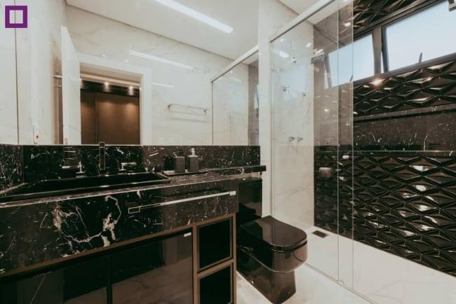 bancada de Mármore Preto no banheiro
