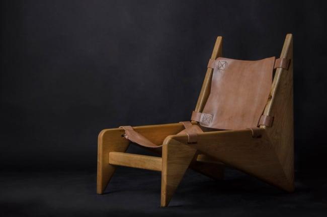 cadeiras diferentes com couro