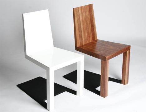 cadeiras diferentes com dois pes