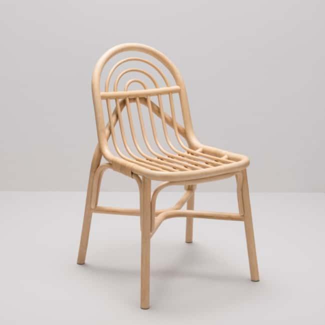 cadeiras diferentes pequena de madeira