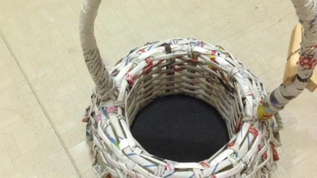 cesta de jornal pequena