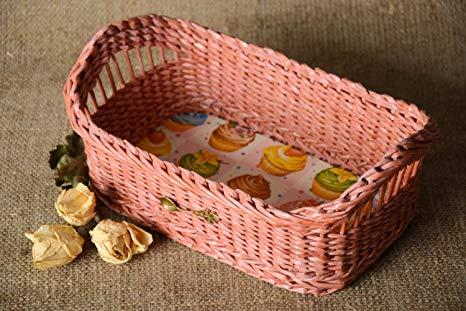 cesta de jornal rosa simples