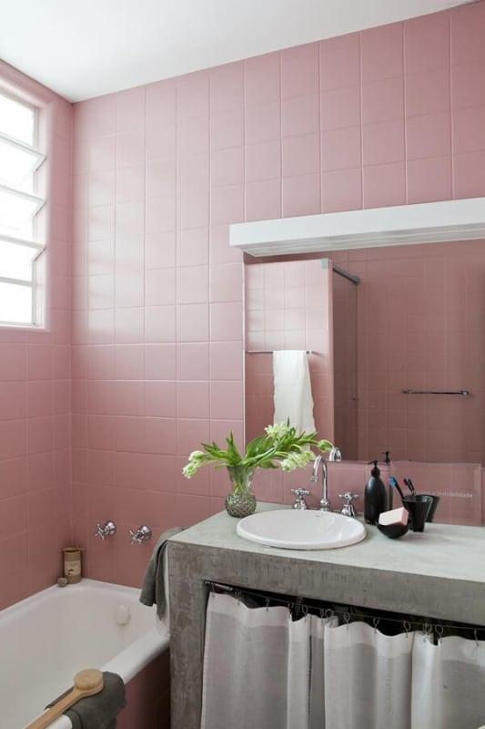 como pintar azulejo de rosa