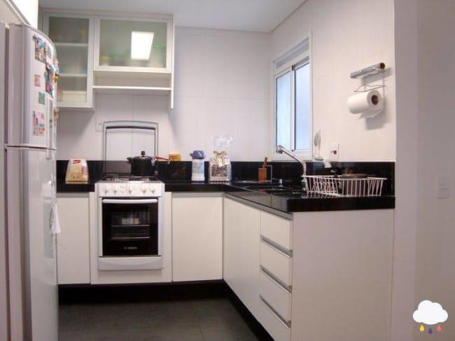 cozinha clean decorada com Fogão de Embutir