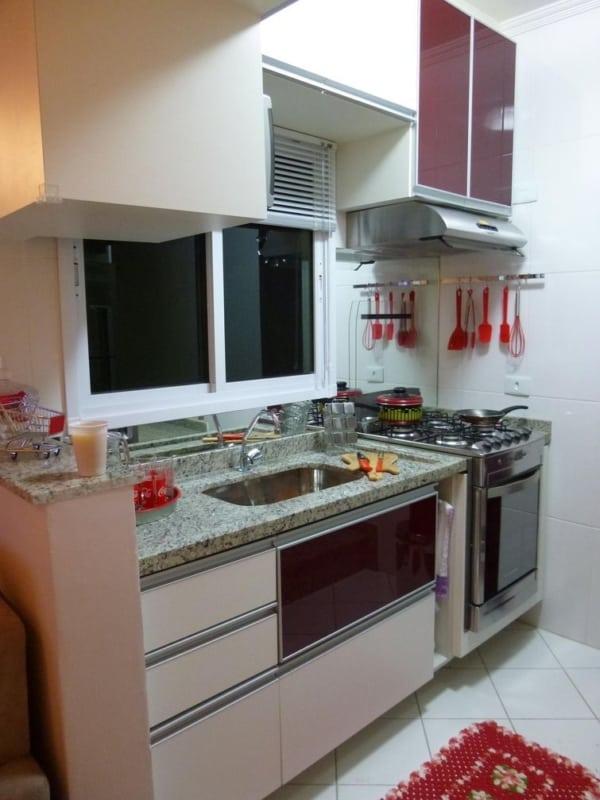 cozinha pequena com Fogão de Embutir