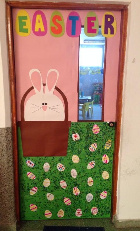 decoração de Páscoa para escola em porta7