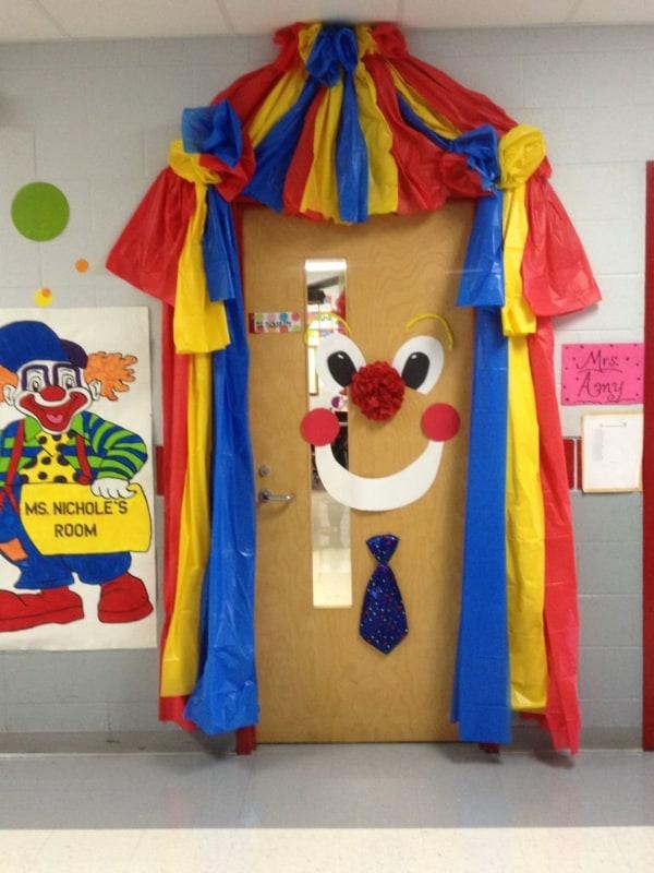 enfeites de carnaval para escola 43