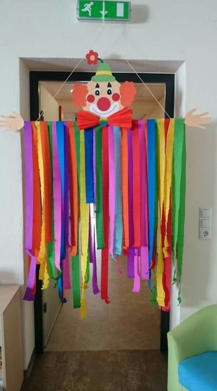 enfeites de carnaval para escola 45