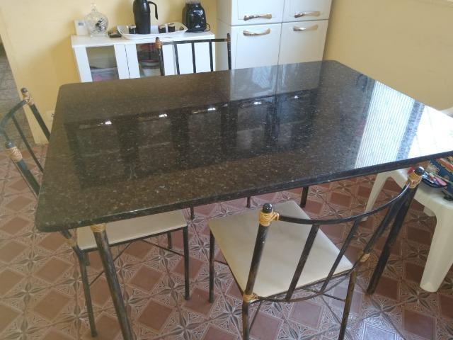 mesa simples de Granito Verde Ubatuba