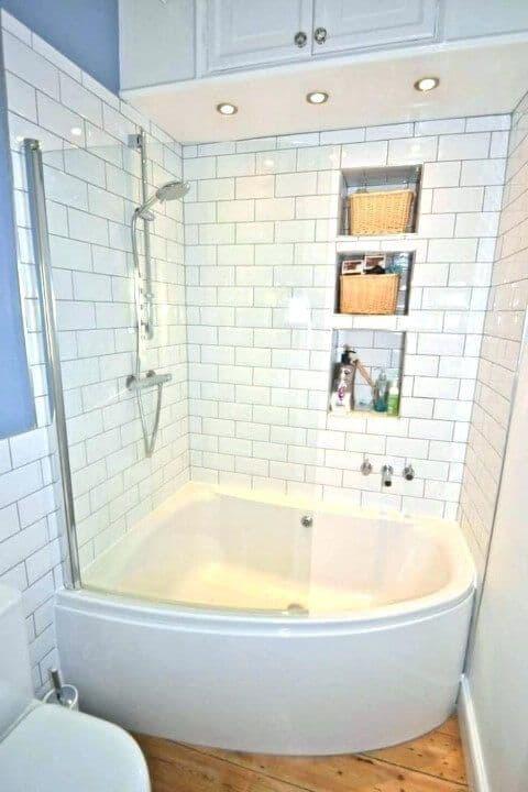 banheira de canto com chuveiro
