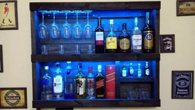 bar de parede com led azul