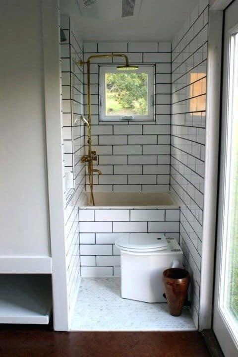banheira quadrada pequena com chuveiro