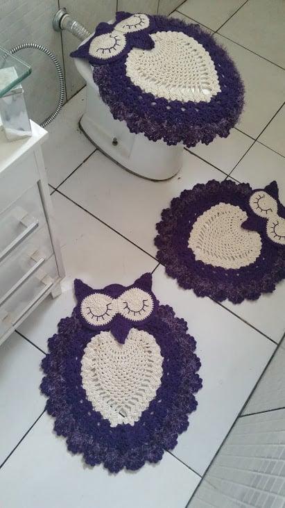 conjunto de tapetes de crochê roxo para banheiro