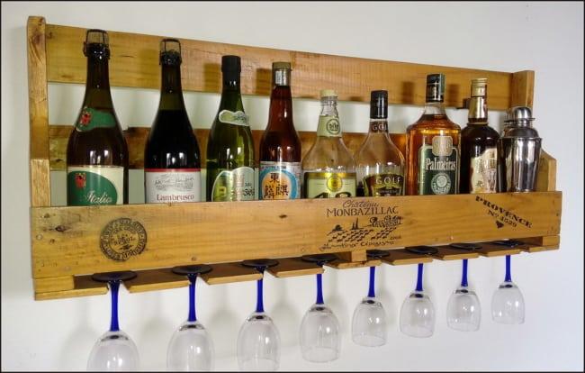 bar de pallet para vinhos e taças