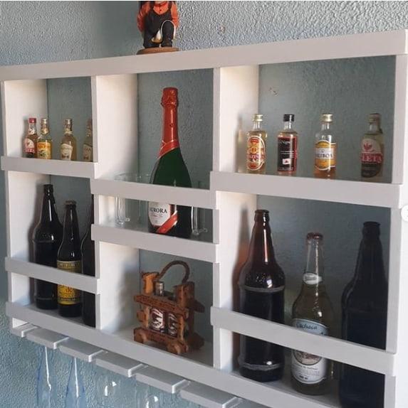 bar suspenso em MDF branco