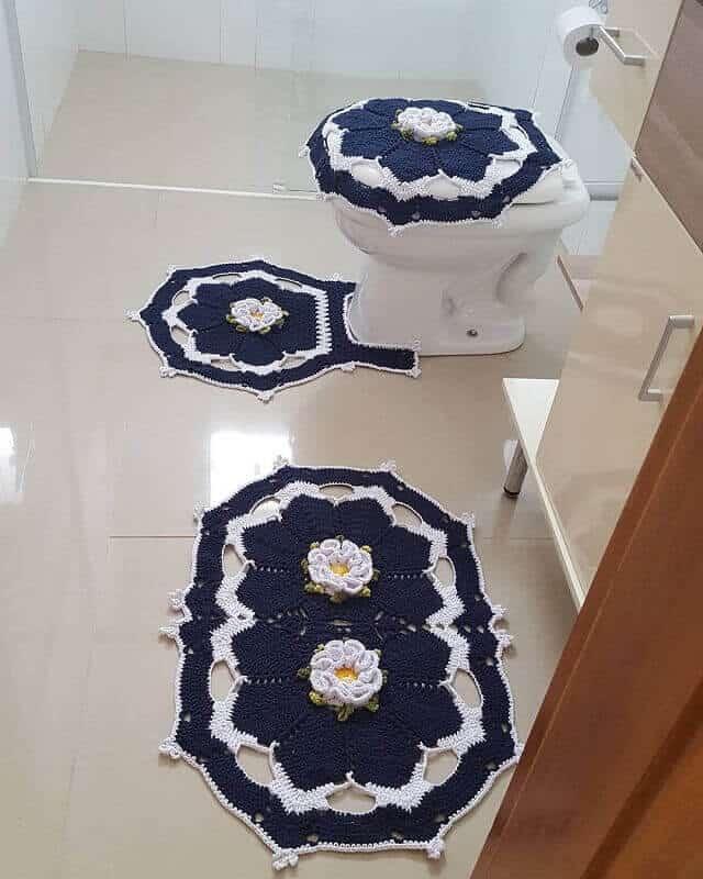 conjunto de barbante com flores para banheiro