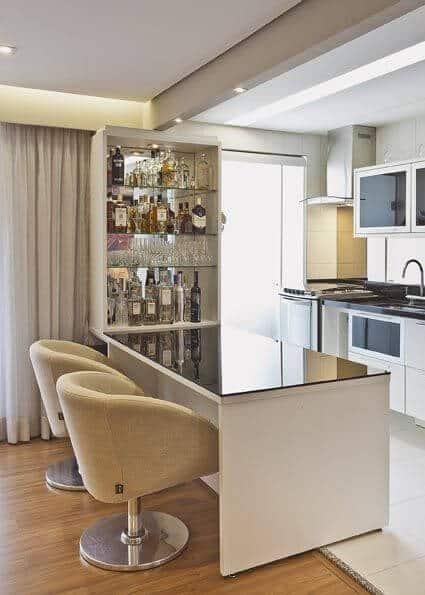 cozinha americana com bar de parede planejado