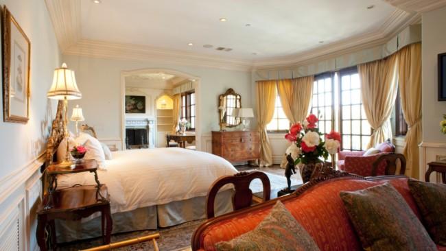 As mansões costumam ter muitos quartos