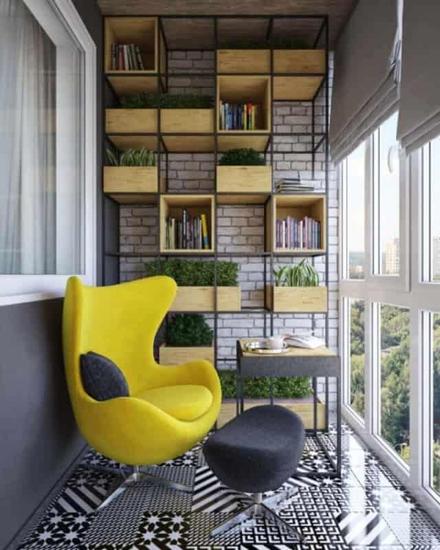 Cantinho da leitura na varanda com poltrona amarela25