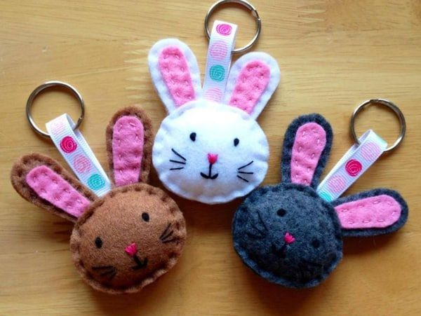 Chaveiros de coelhinhos para vender na Páscoa