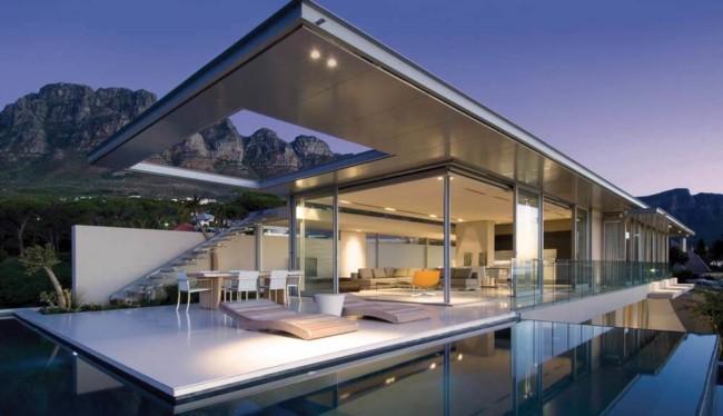 Construção moderna de mansão de luxo