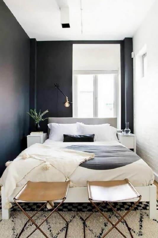 Decoração escandinava preta e branca em quarto