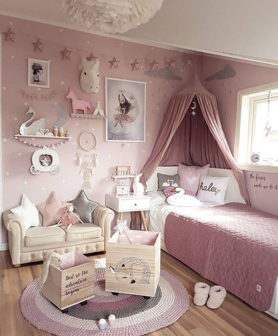 Dossel rosê na cama para dar um charme a mais