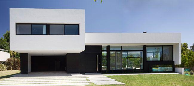 Fachada de casa moderna em PB