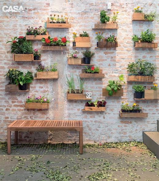 Floreira de madeira para parede com caixote2