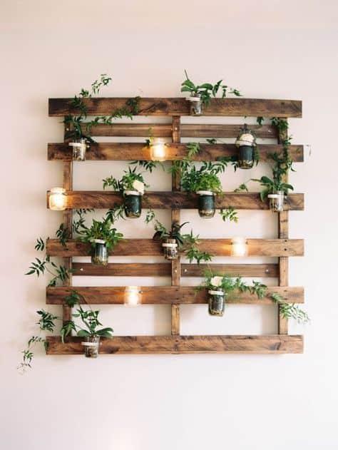 Floreira de paletes para parede com luz18
