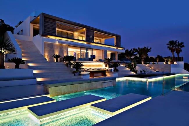 Mansão moderna com piscina super estilosa