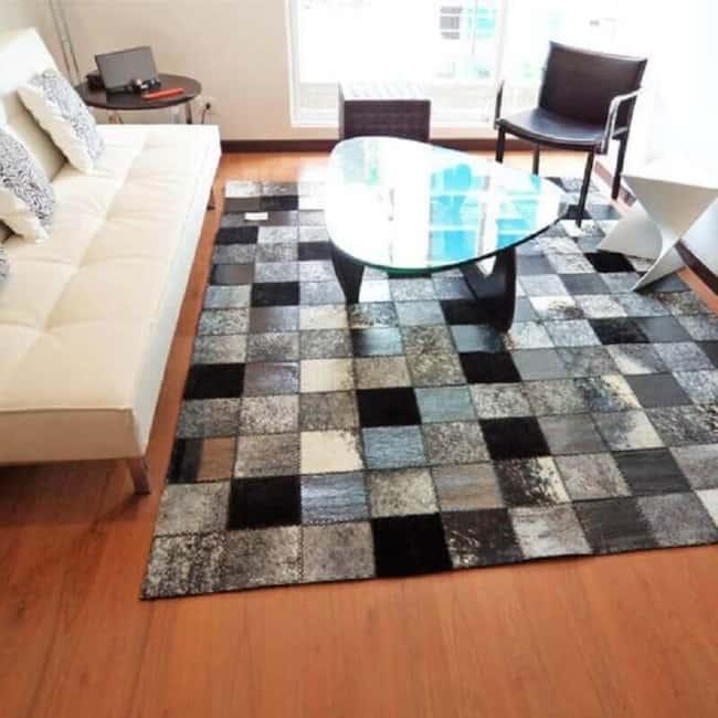 O tapete de couro quadriculado está na moda atualmente