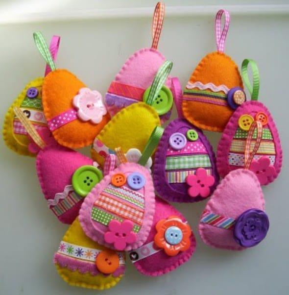 Ovinhos de feltro colorido e tecido para vender na Páscoa