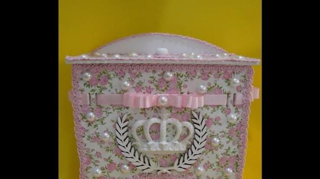 Porta fraldas de madeira rosa