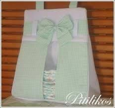 Porta fraldas de tecido verde e branco