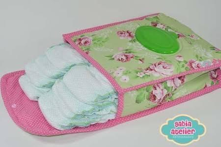 Porta-fraldas portátil com estampa de rosas