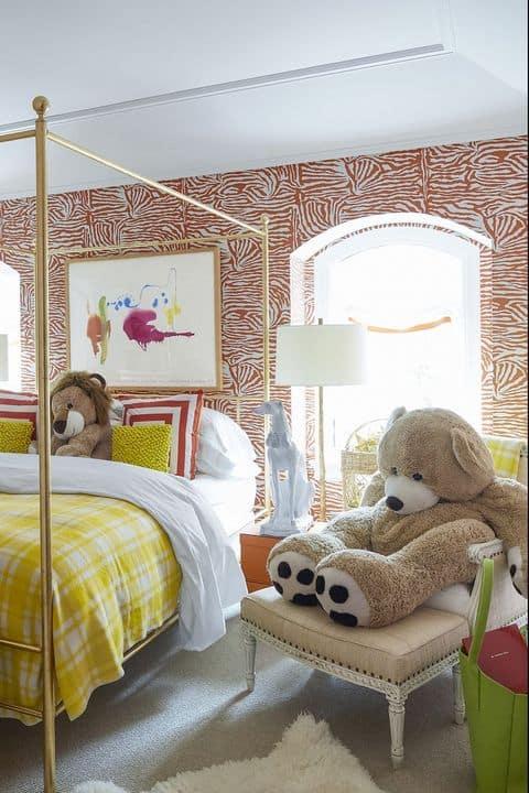Quartinho infantil com cama dourada