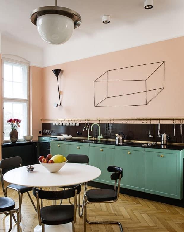 Que tal então um rosinha na parede da cozinha